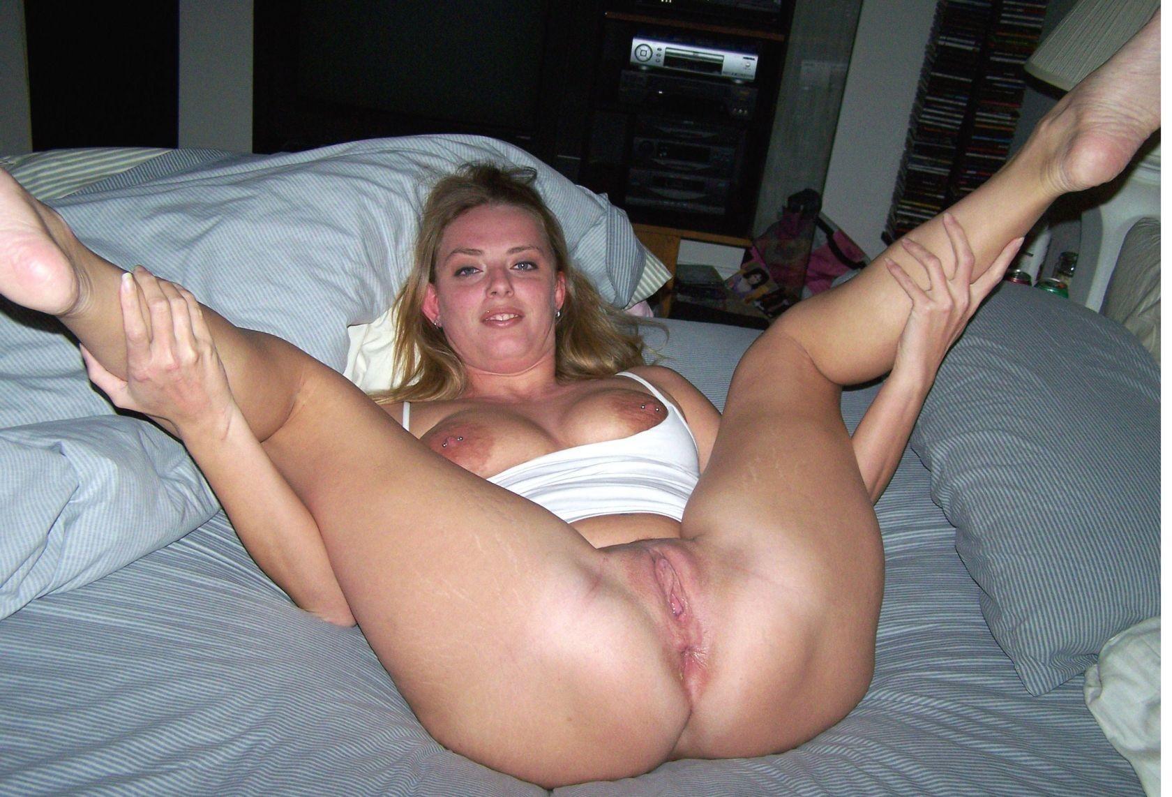 dami-s-razdvinutimi-nogami-ogromnimi-pizdami