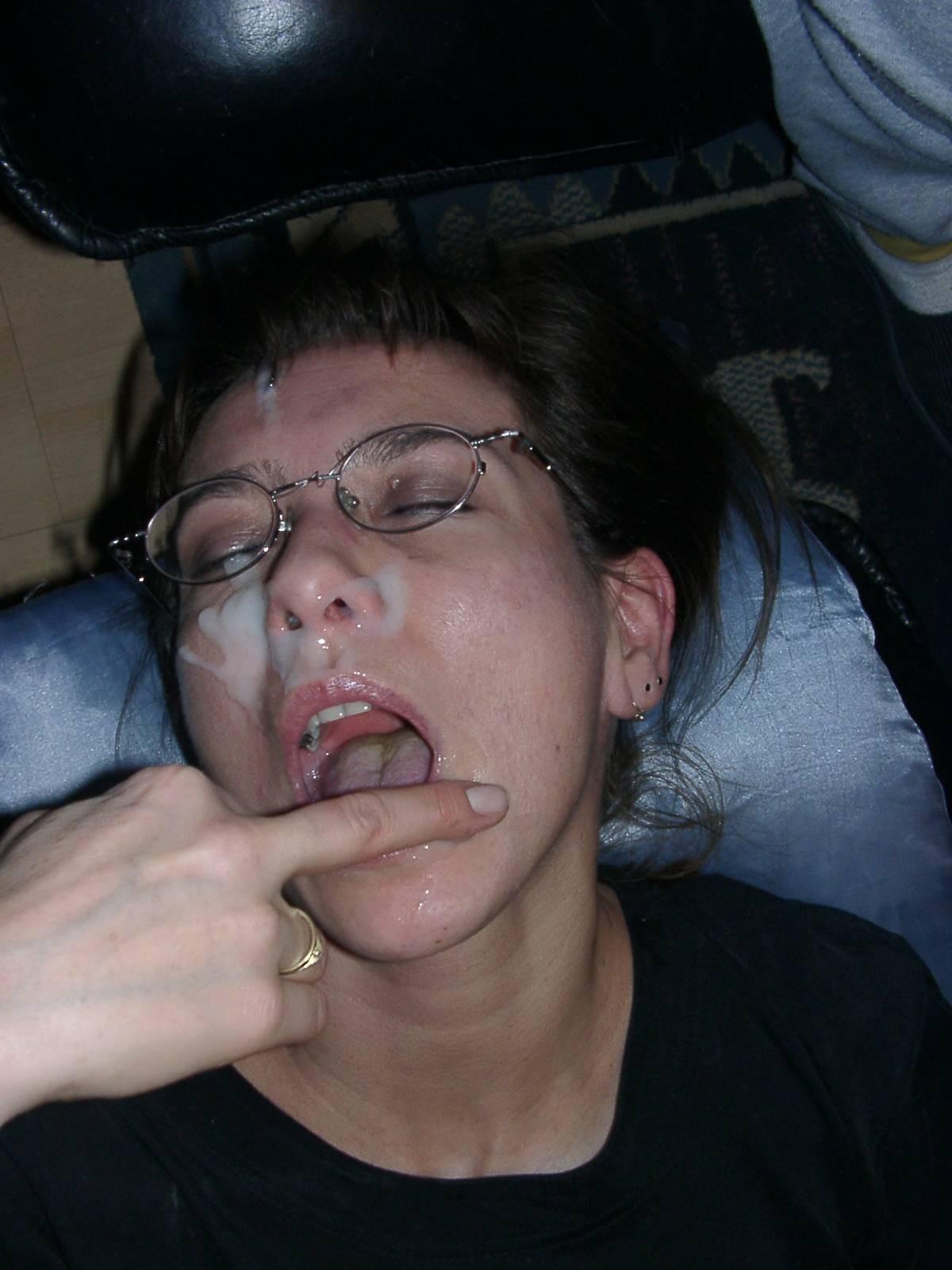 Моя жена действительно любит, когда я ей хорошо кончу на лицо