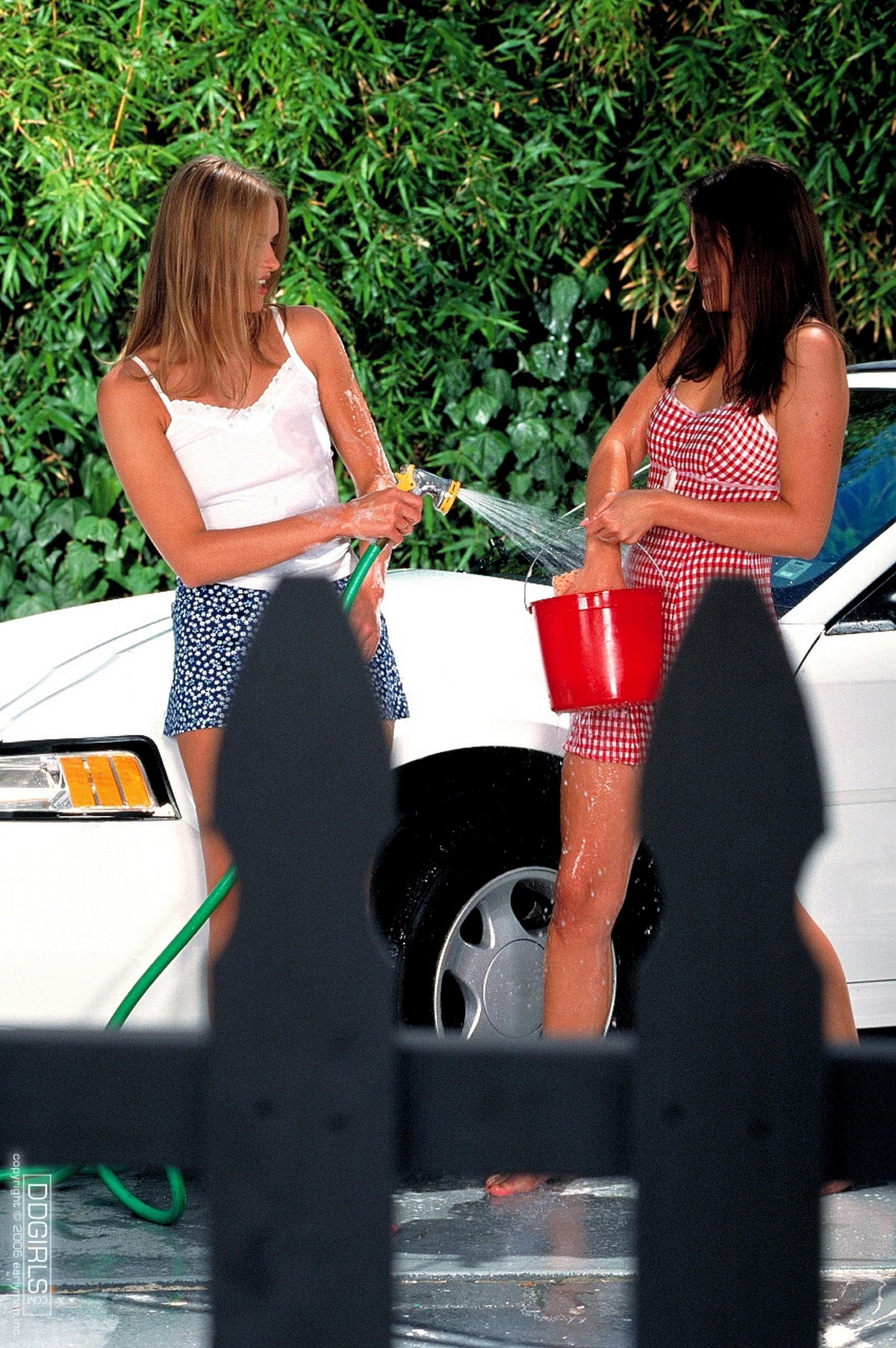 Так и не помыли машину, зато почистили вагины