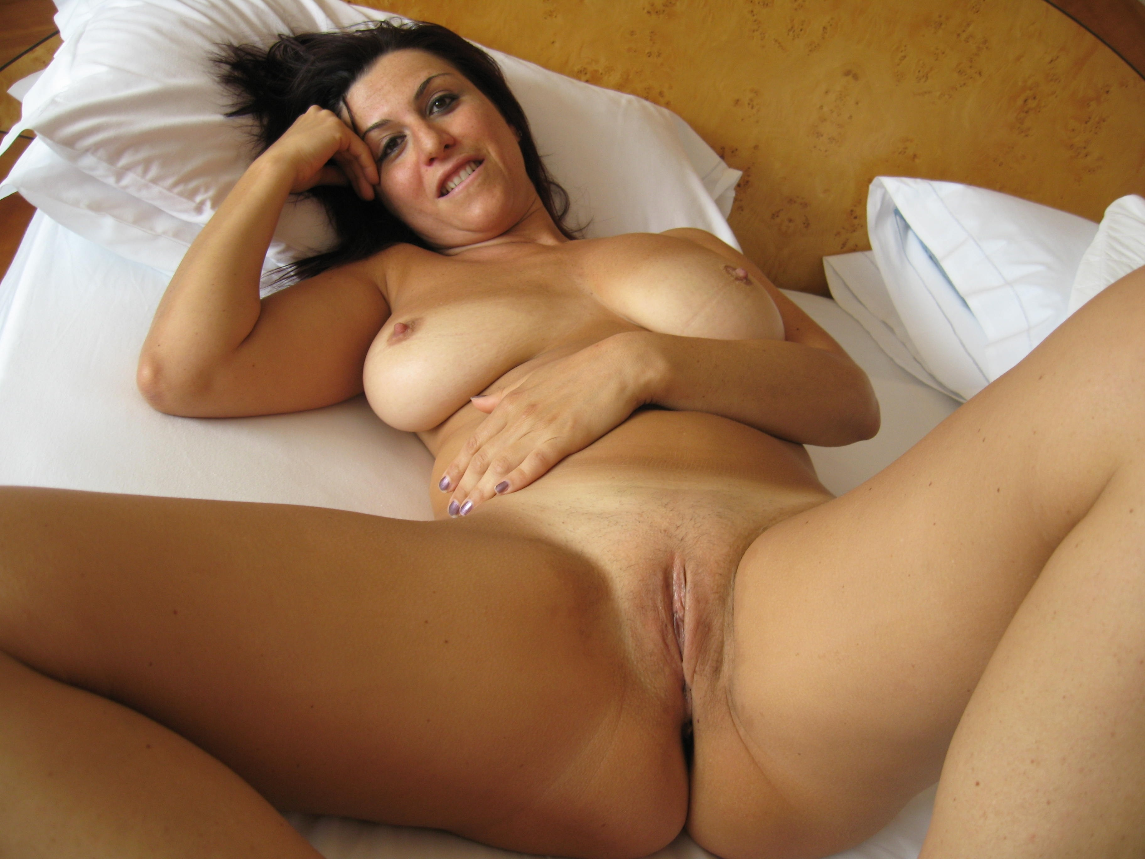 Busty nude mature porn