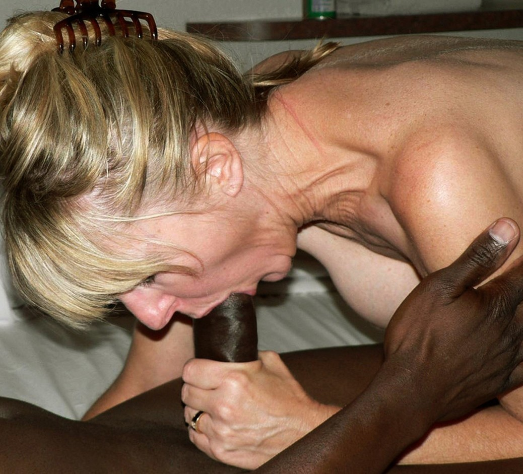 porno-onlayn-russkaya-blondinka-soset-u-negra-samogo-krasivogo-transa