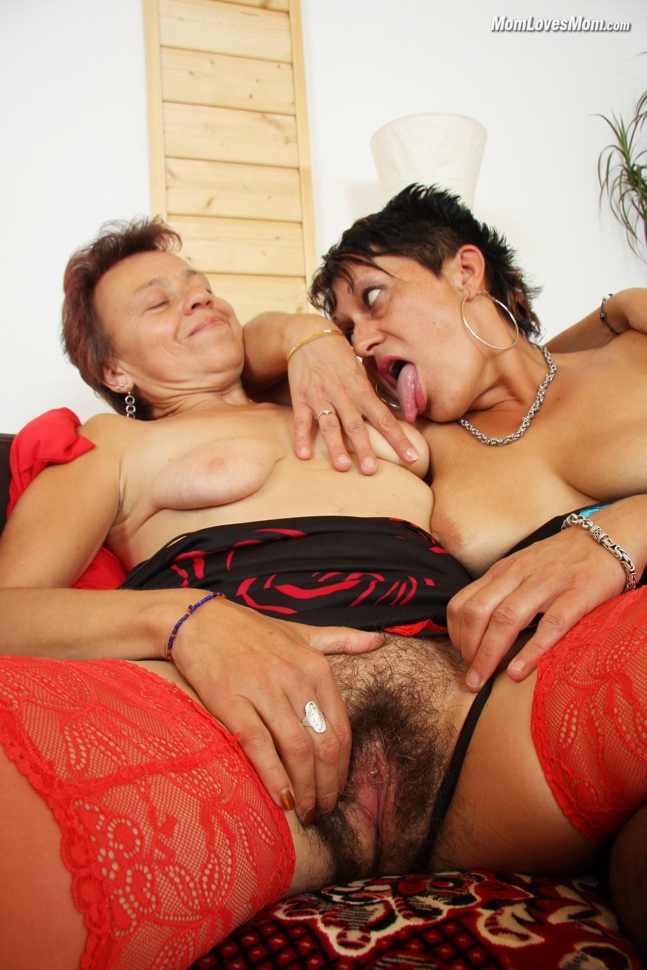 Пожилые лесбиянки