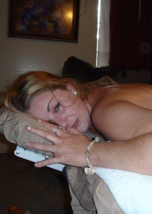 Делаю массаж попки жене