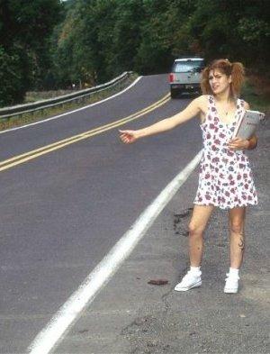 Лесбиянки на мосту возбуждают водителей