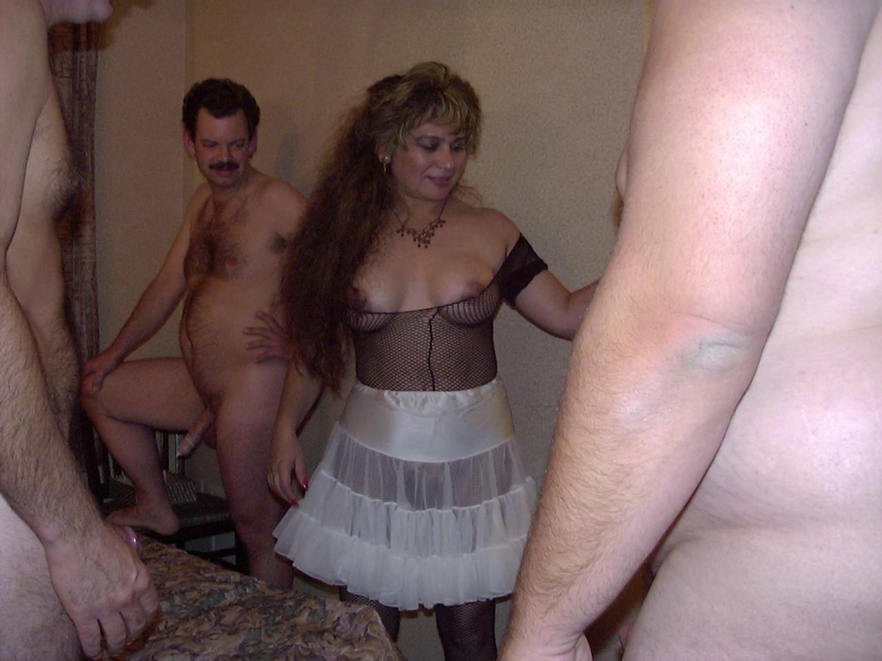 Замужние групповуха порно 10