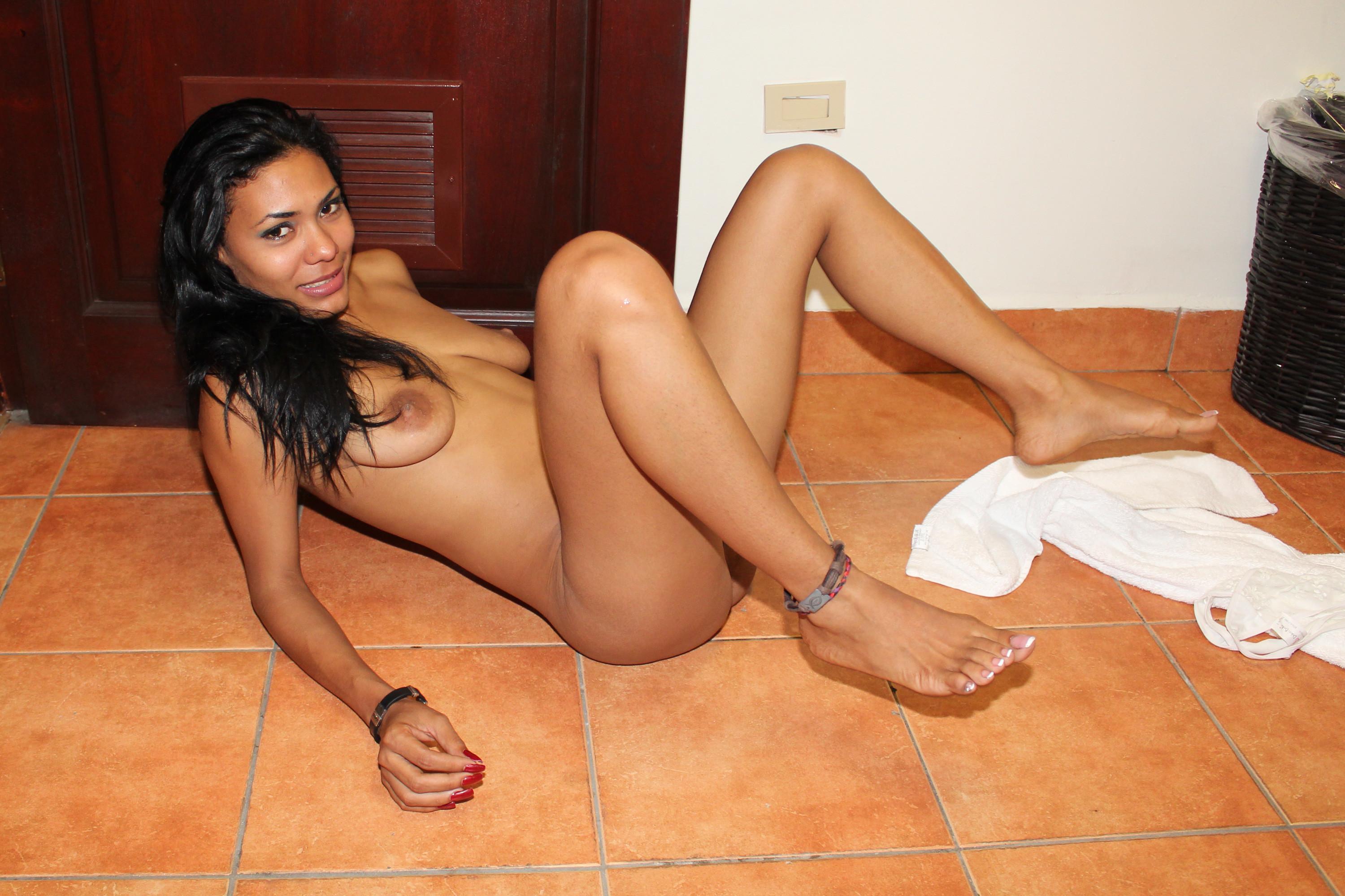 hot-naked-prostitute-girl