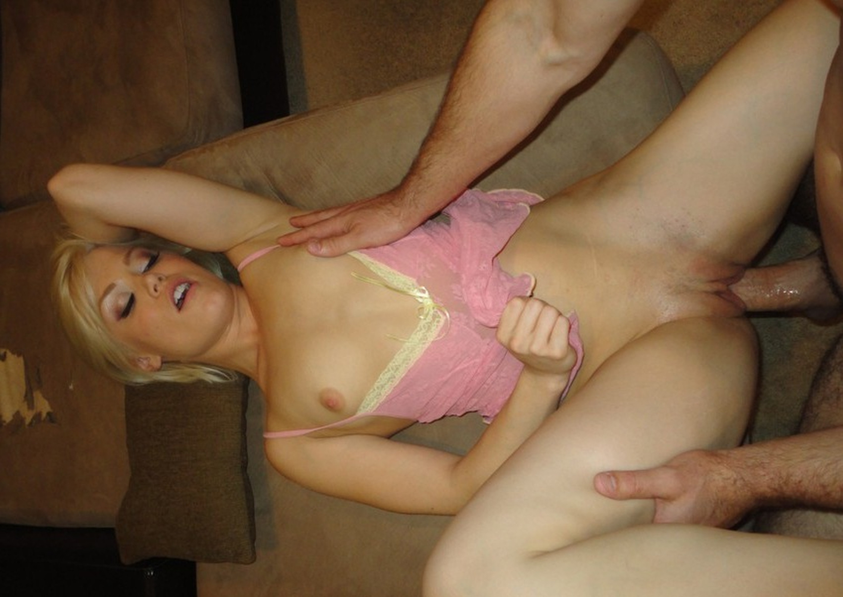 video-seks-s-blondinkoy-chastnoe