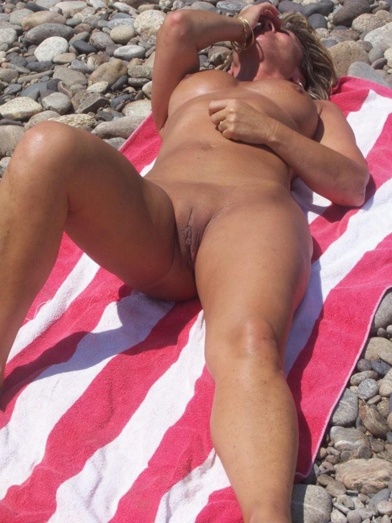 порно мамки на пляже - 6