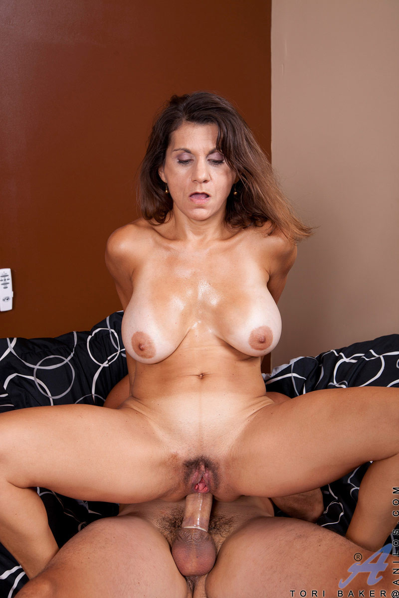 Naked young milf hunters busty hardcore