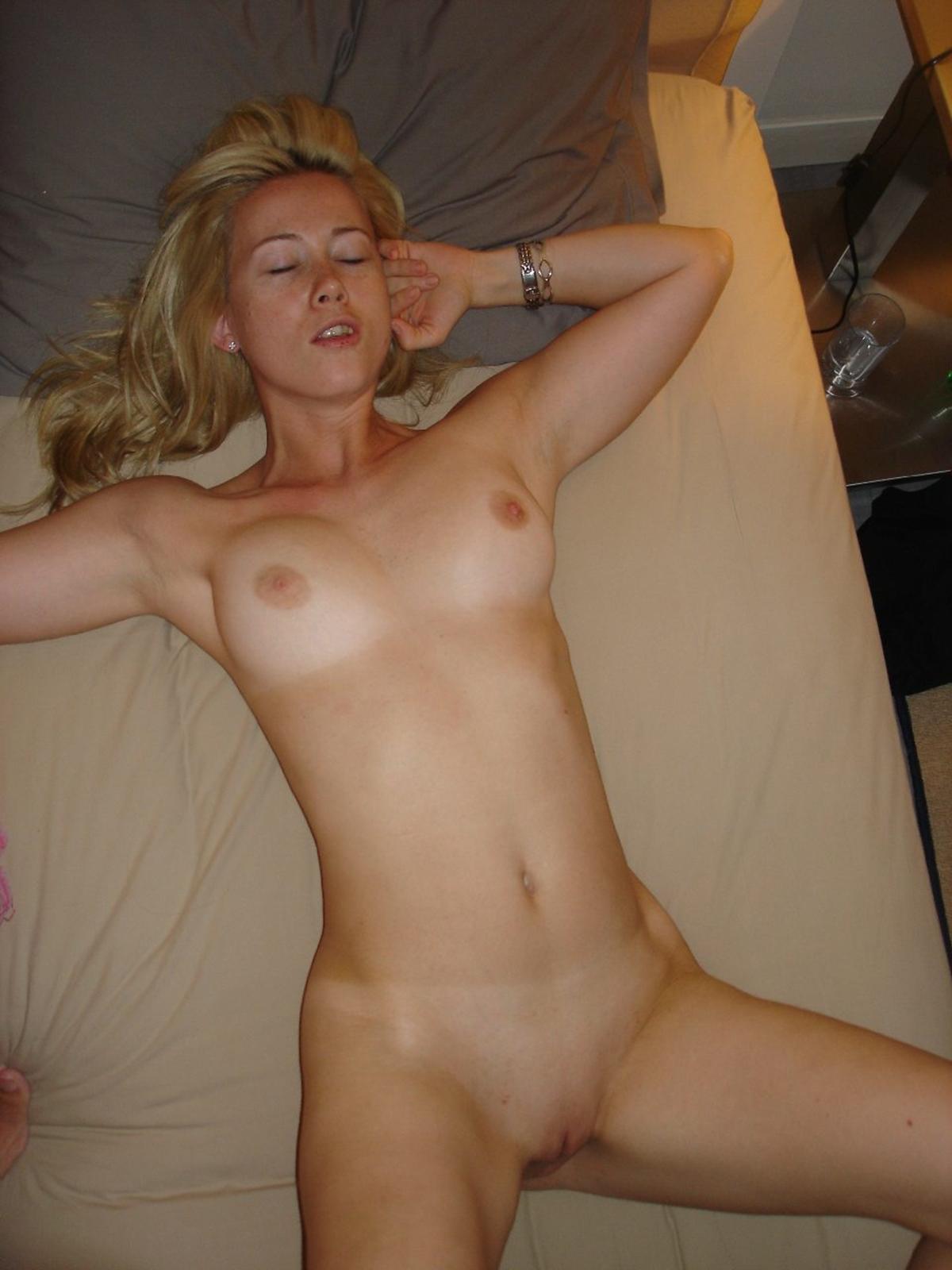 Porn thumbnails cute nude slut
