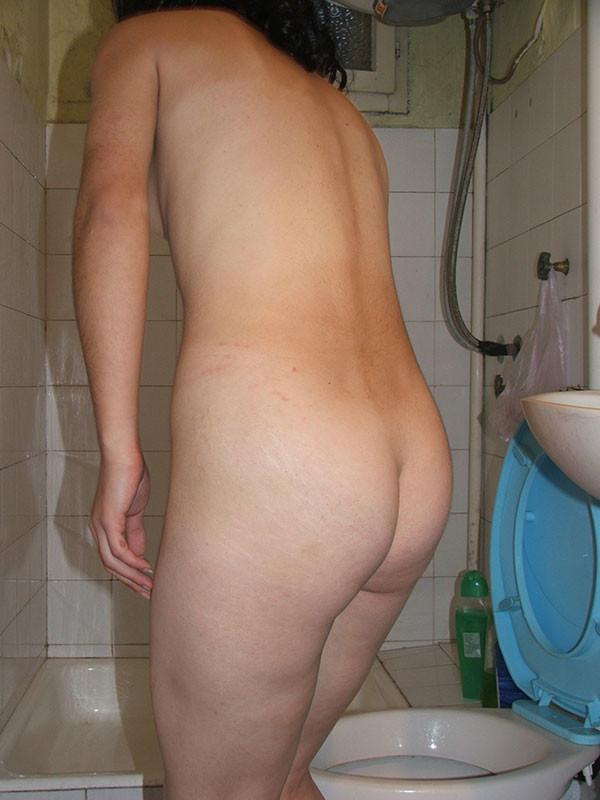 Обоссал свою жену в ванной