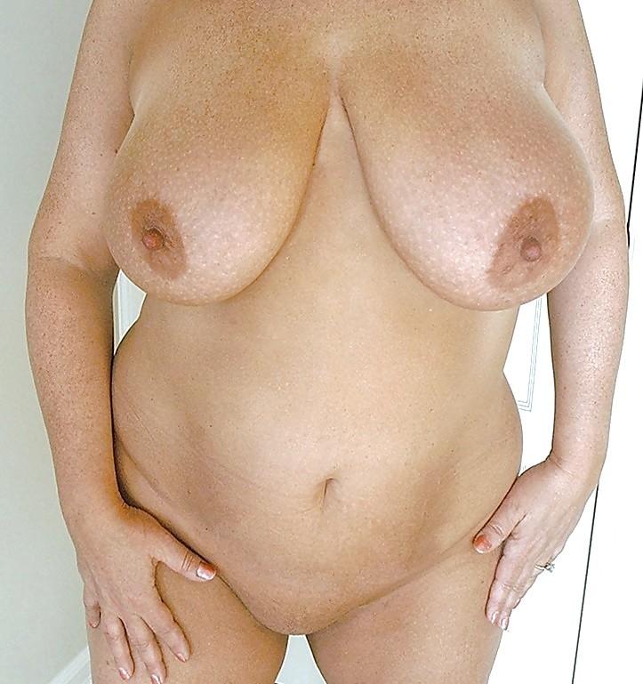 Обвисшая большая грудь, пизденка порно смотреть