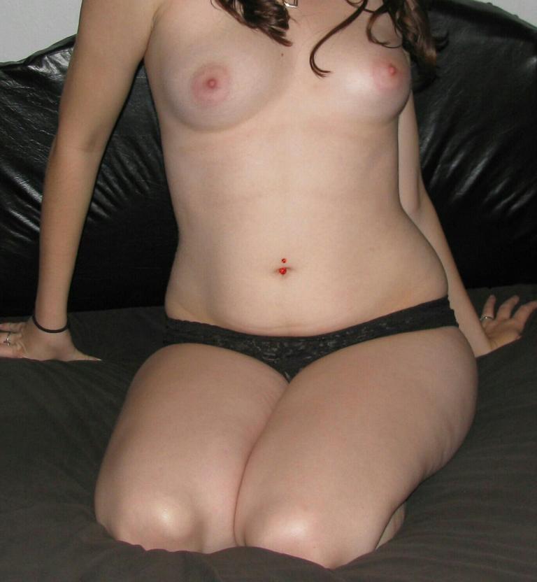 Sharp nipple nude — pic 2
