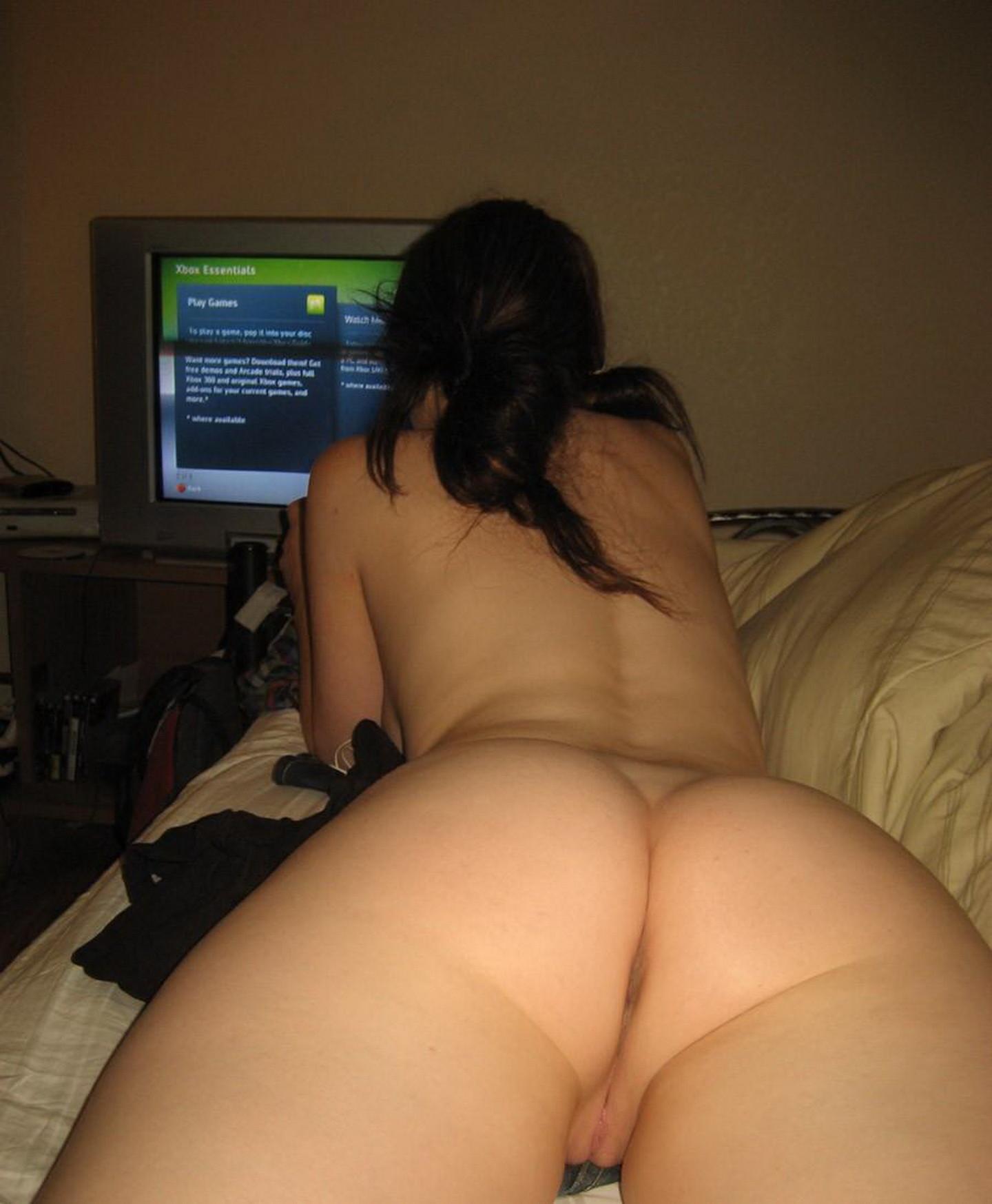 Gamer chicks naked, women ass butt booty