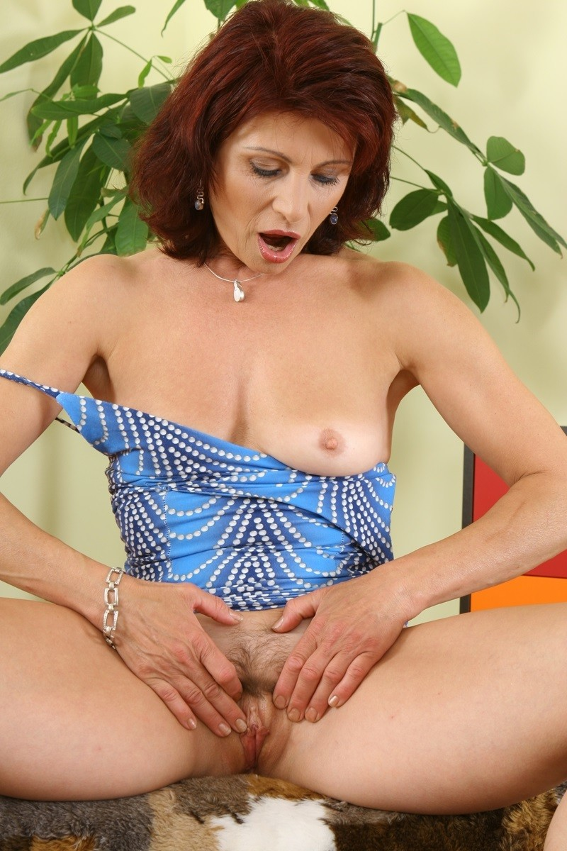 mature-adults-daily-hot-naked-women-and-men-old-yong