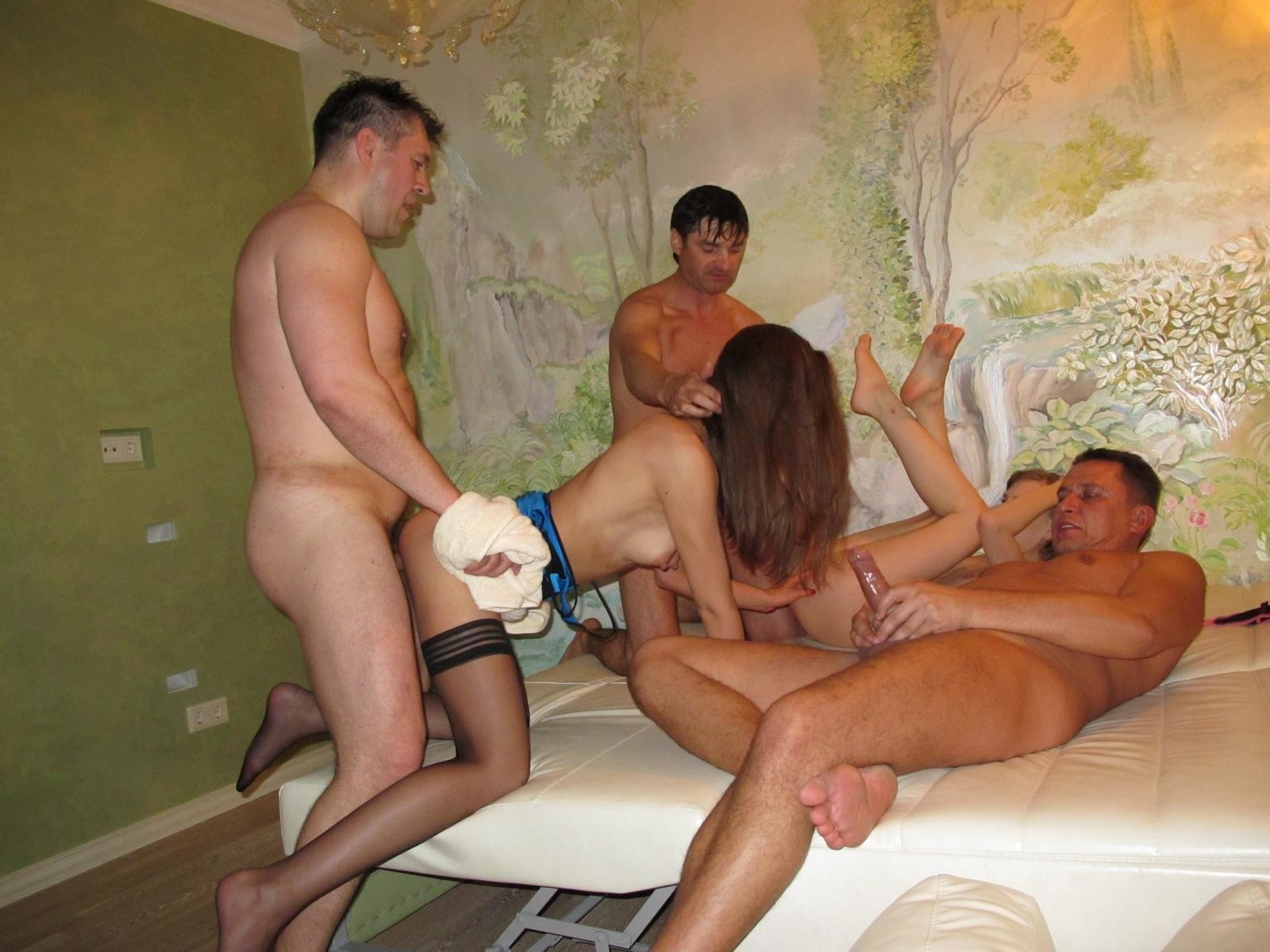 Фото парни вызвали проститутку, женщины в возрасте фото лесбиянки