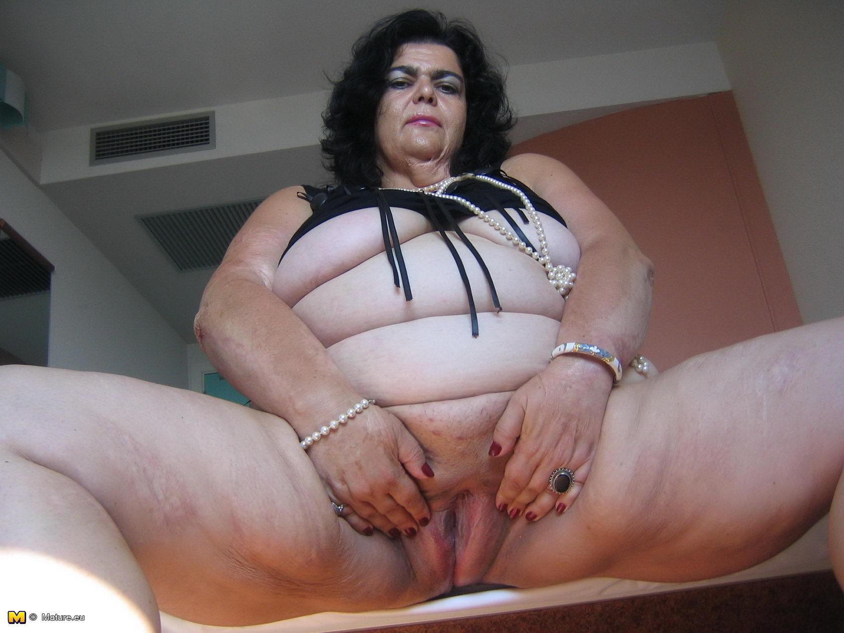 tolstie-golie-starushki-seks