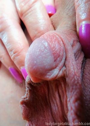 Мои половые губы и клитор