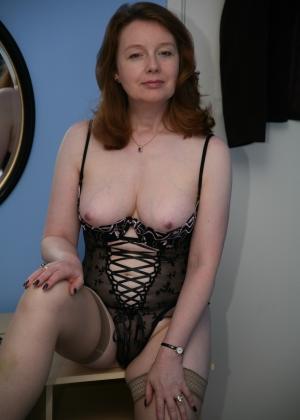 Сексуальная зрелая Рашель