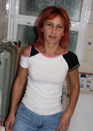 Синди пошла в душ