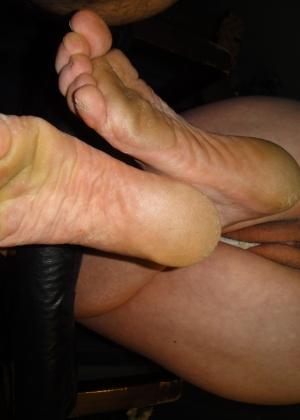 Грязные ноги и пизда