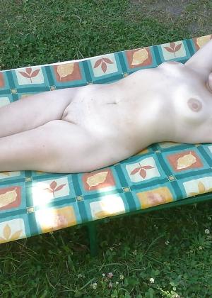 Русская женщина моет себя перед сексом и другие фото с ней