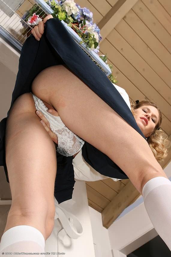 up-the-skirt-sex