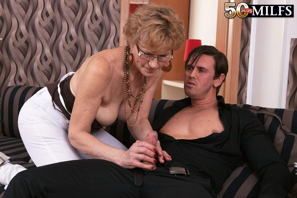 mature-women-young-men-malesub-blacks-jade-naked