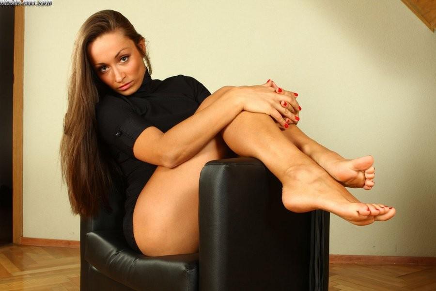 Госпожа со стройными ножками