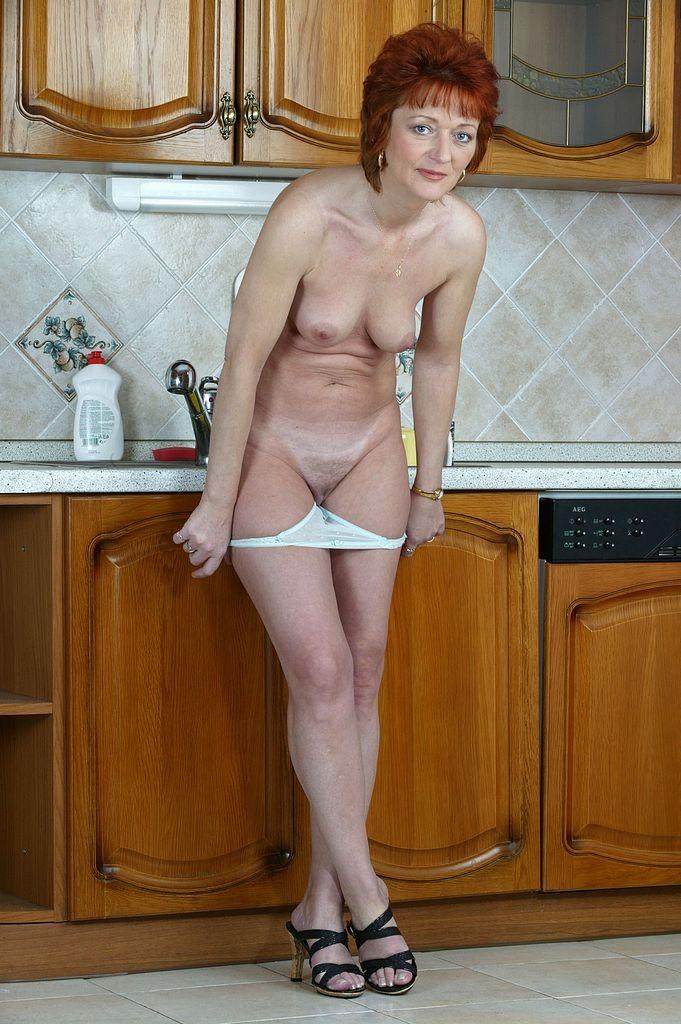 Фото голые зрелые домохозяйки, порнуха доктор винс