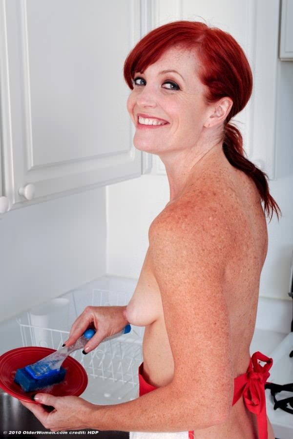 Redhead housewife secretly, mature girl lesbian video