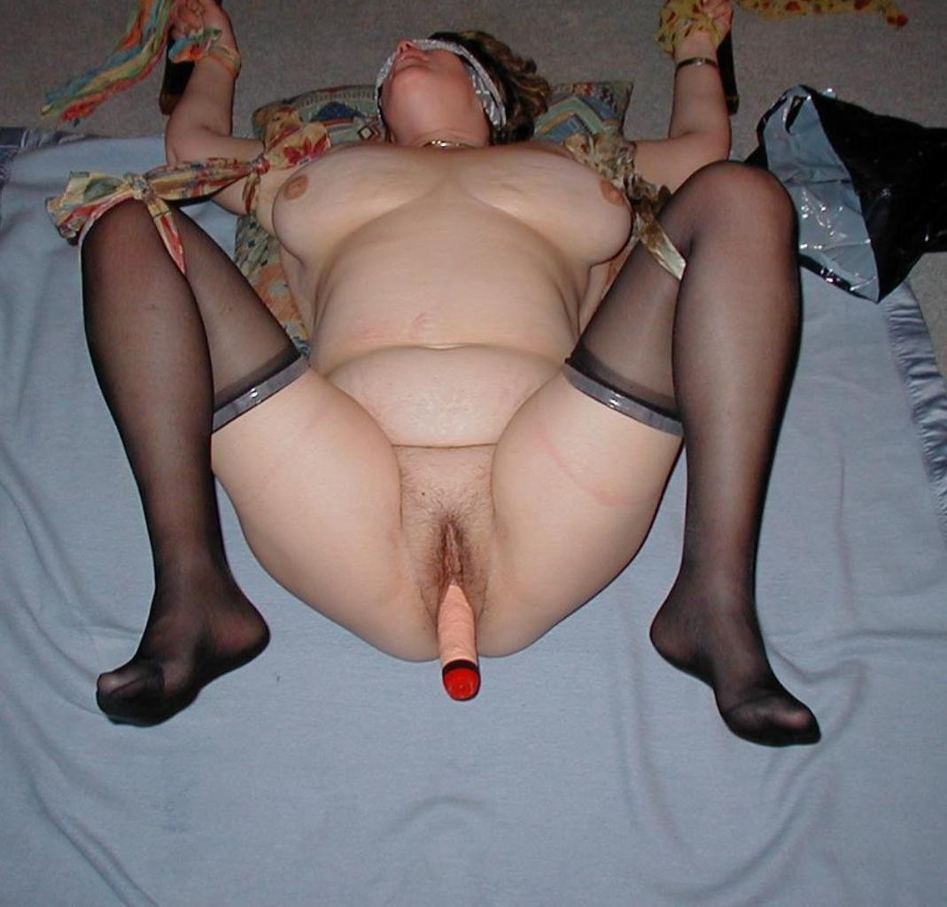nude-fat-girls-fisting-girl-taking