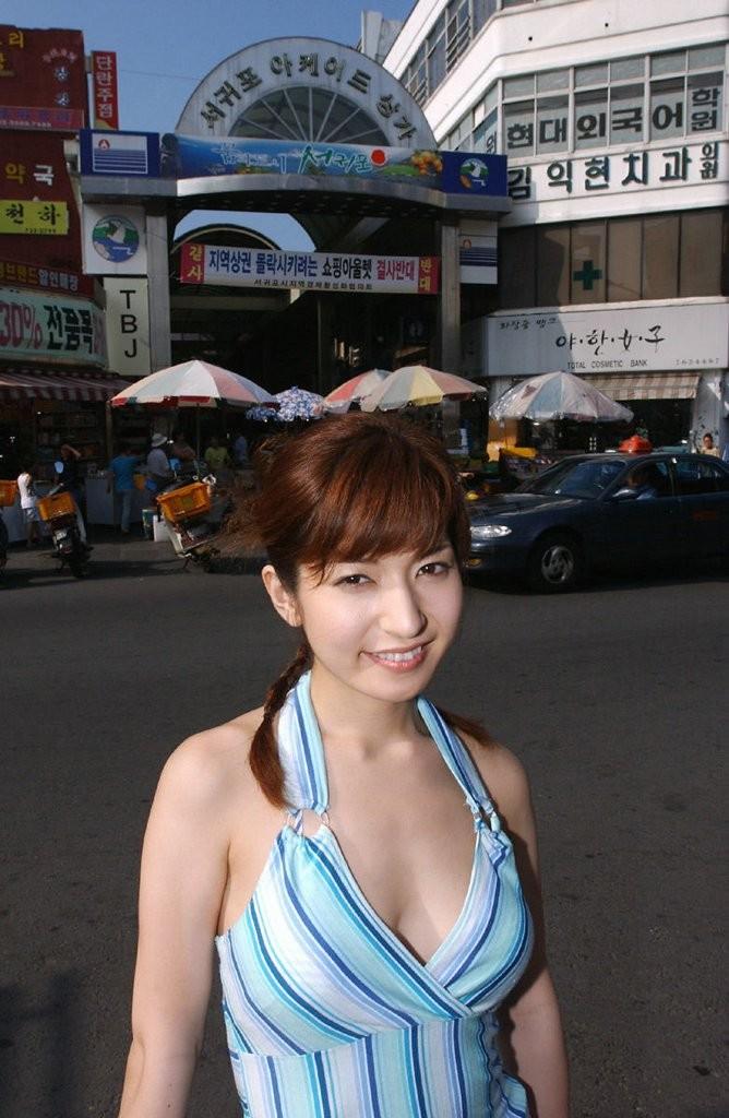 Простая азиатская женщина