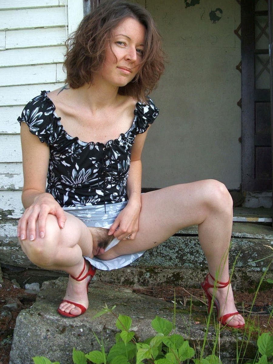 Эро фото под юбкой - компиляция 6