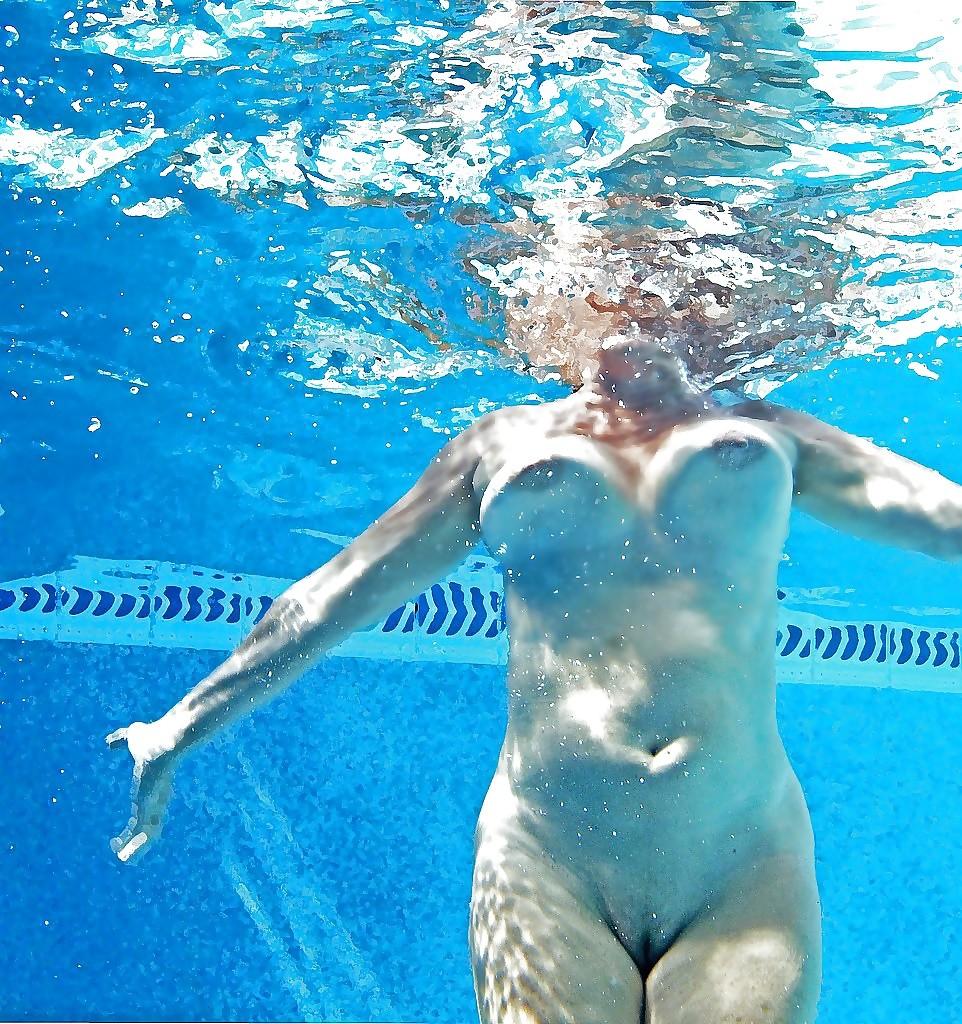 nude-perky-swimmer