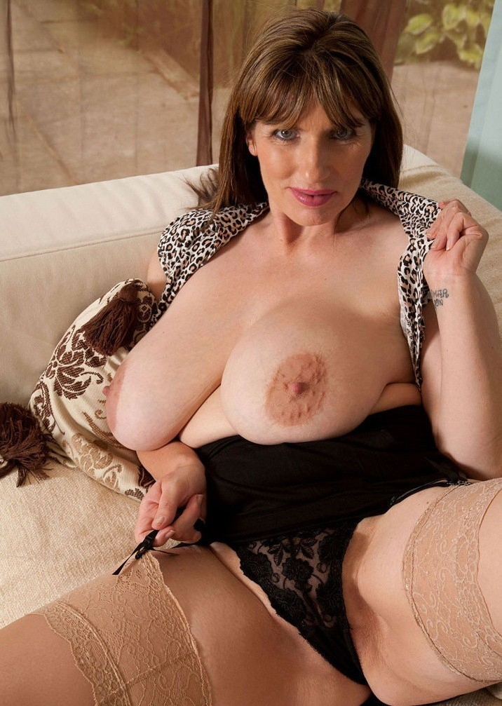 french-hot-nude-big-breast-mature