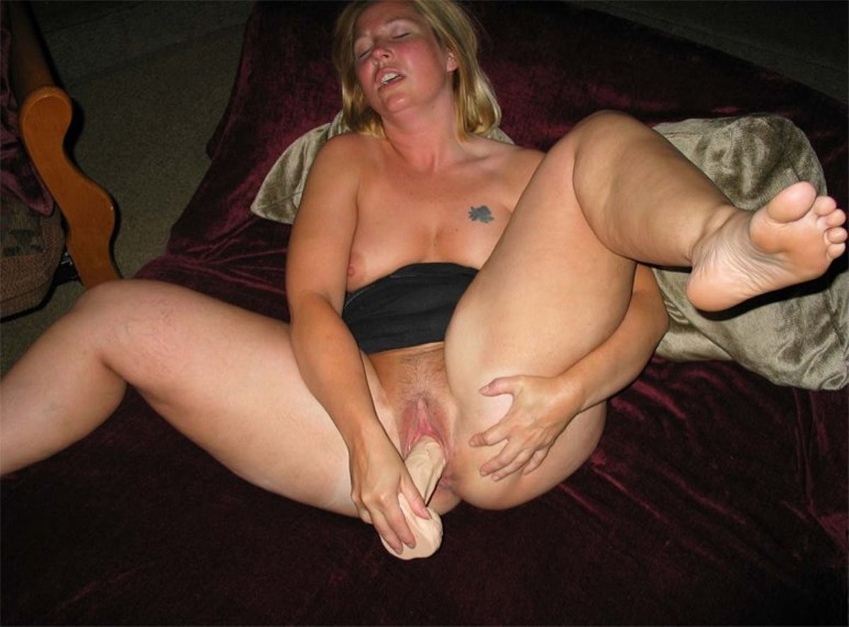 wife-posing-dildo-finger-in-her-asshole-fraternity