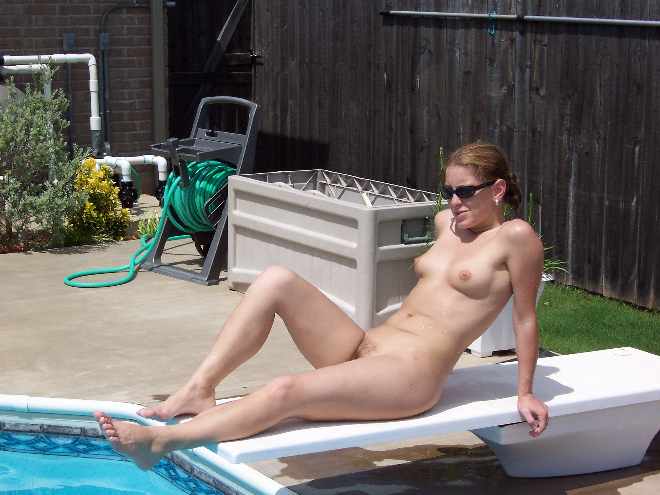 swimming-pool-amateur-spankwire