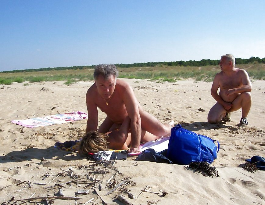 Секс на пляже - компиляция 2