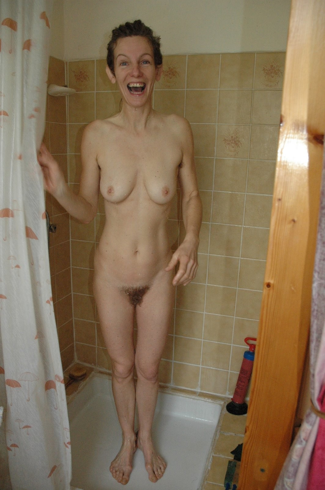 naked-ametuer-wives-shower