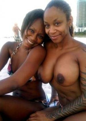 Реальные темнокожие подружки