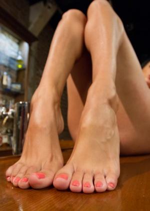 Дрочка ножками