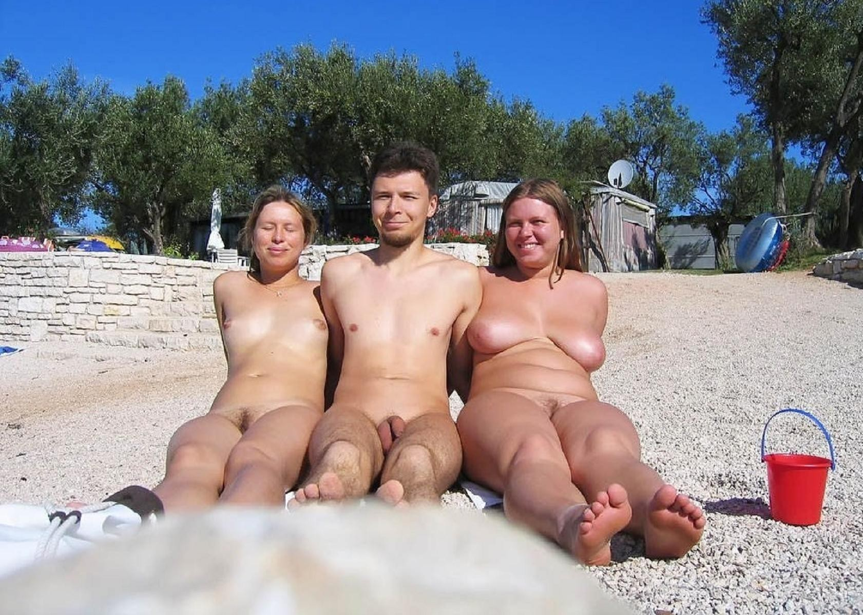 family-time-nude