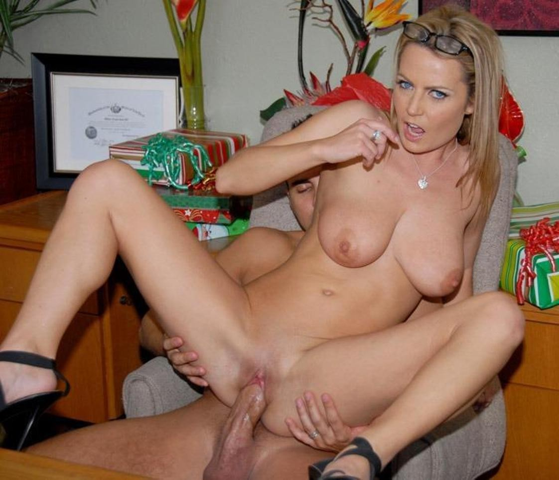 Alexis may sex — pic 13