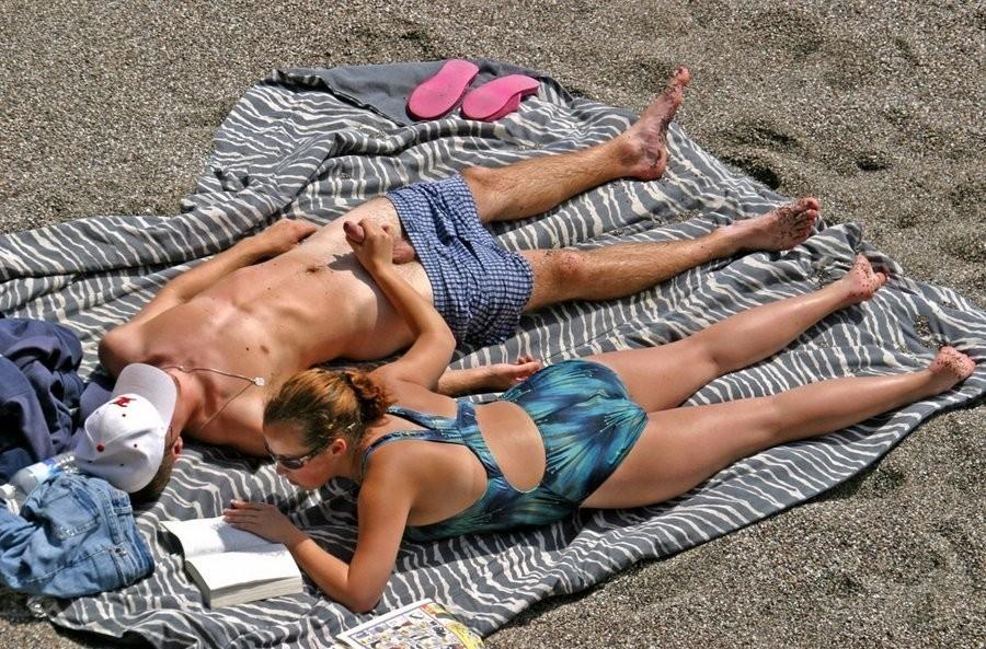Секс на пляже - компиляция 4