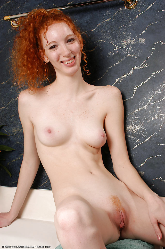 Teen red hair nude — pic 2