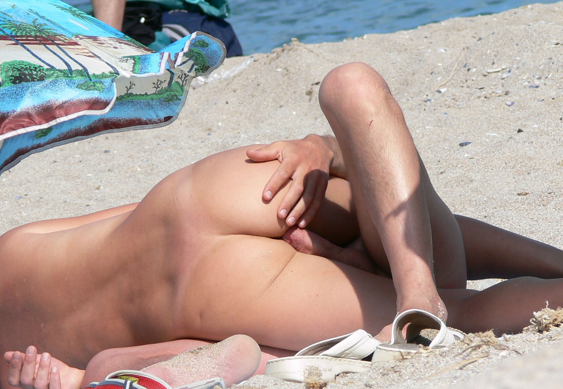 Секс на пляже - компиляция 5