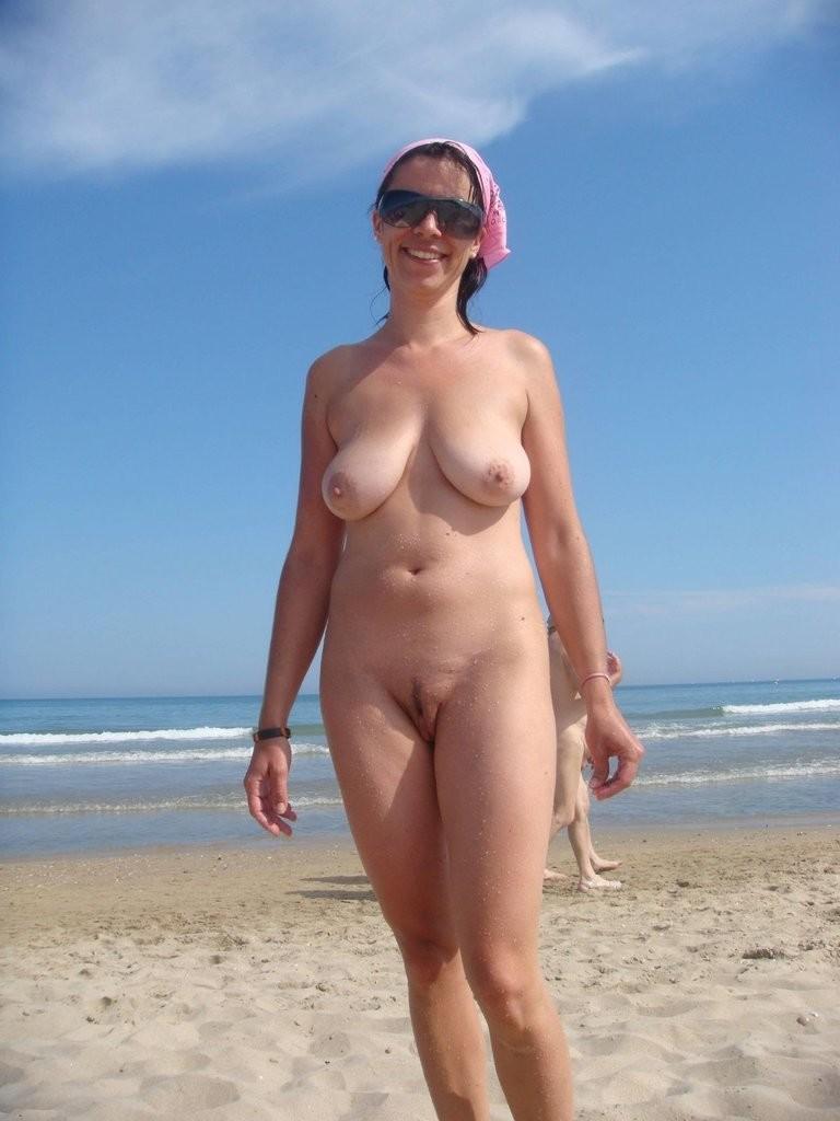 фото голых баб на пляжах