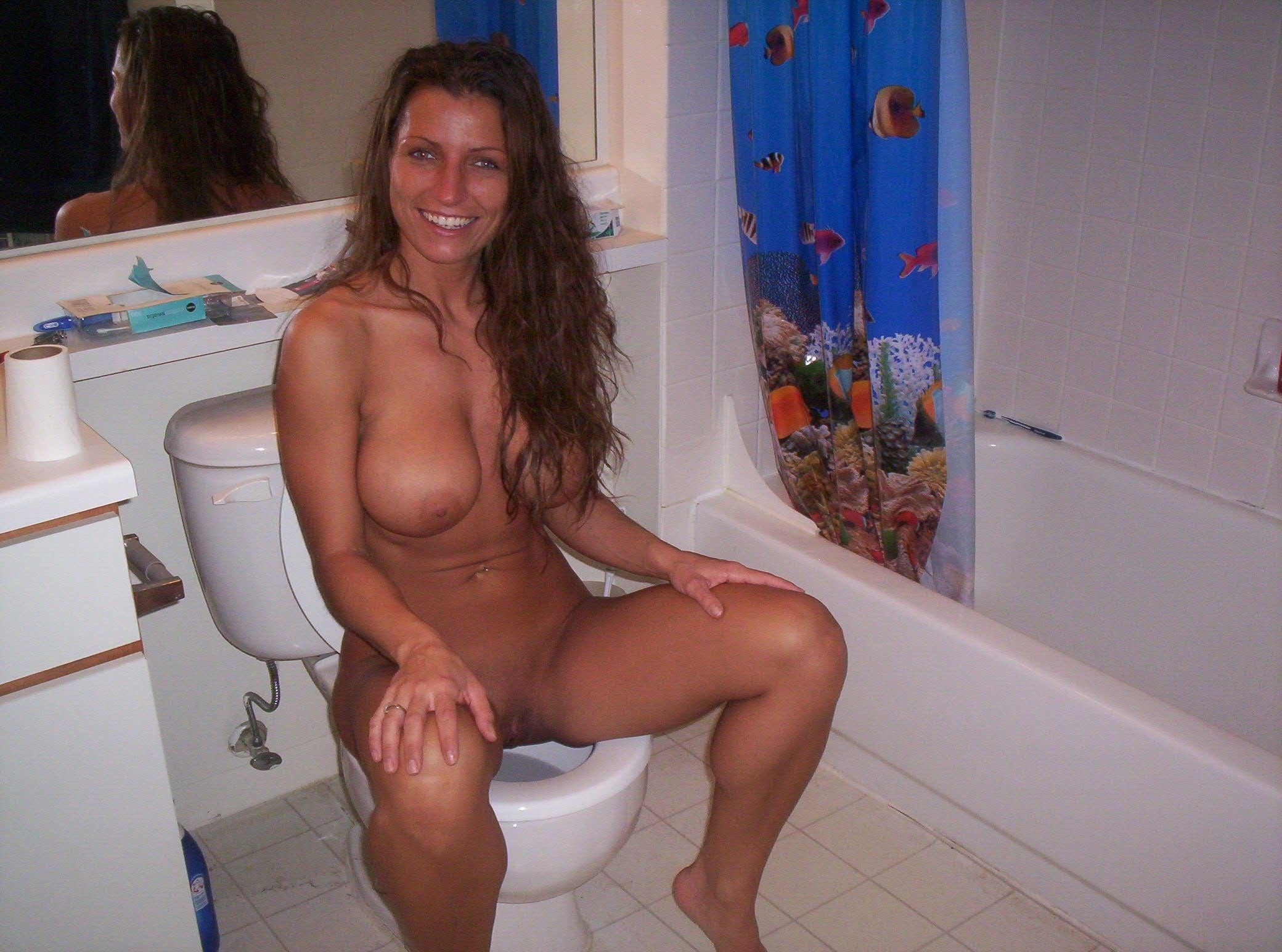 Hot milf caught nude #4