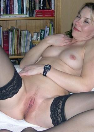 Сексуальные зрелые женщины в чулках - компиляция 13